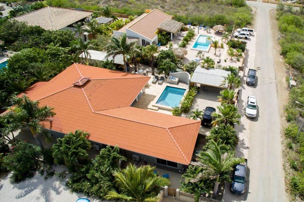Bonaire Luxury Villa apartments - luchtfoto complex